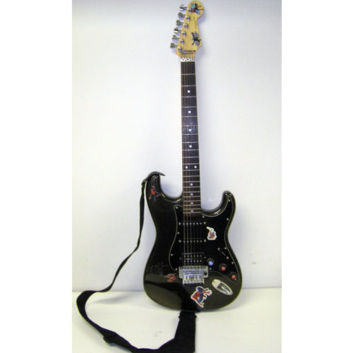 Une guitare Spider-man signée par The Edge en vente sur Ebay