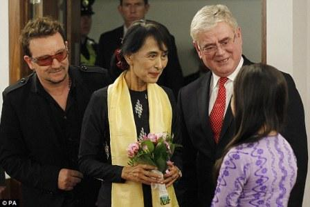 Bono et Aung San Suu Kyi : Beautiful Day (part II)