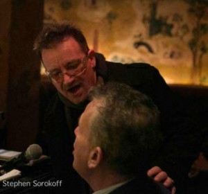 Apparition surprise de Bono dans un bar New-yorkais