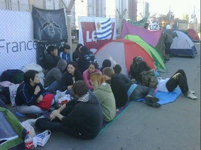 Argentine : les fans bien décidés à camper cinq nuits devant le stade