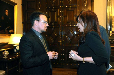 Bono rend visite à Cristina Kirchner, Présidente de l'Argentine :