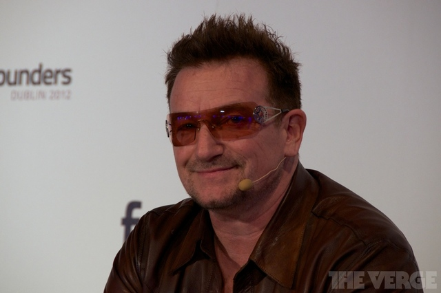 Bono au Dublin Summit Founders 2012 (maj)