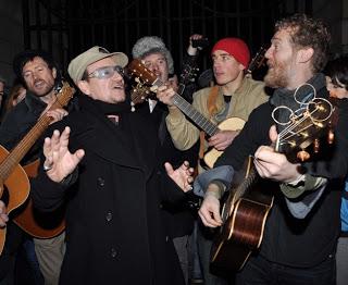 Verra-t-on Bono faire la manche dans Grafton Street cette année ?