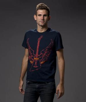 Hard-rock Café : un T-shirt U2 vendu au profit d'Amnesty