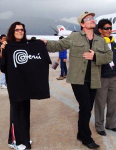 Bono parle de ses voyages 2012