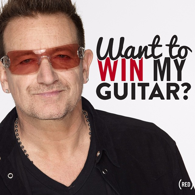 Backstage avec Bono et sa guitare contre un don